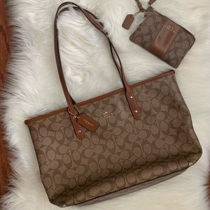GUC Authentic Coach Signature Tote & Wallet